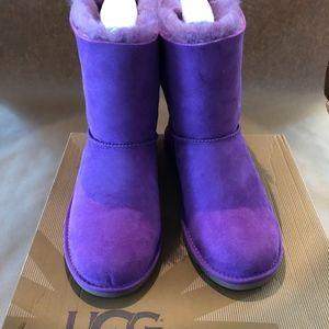 women s purple ugg bow on poshmark rh poshmark com